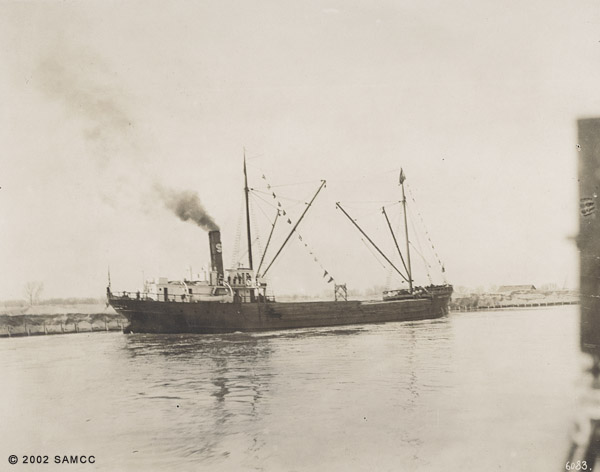 Lumber cargo for W. F. Know : the arrival of the ocean-going steamer Grace Dollar, Feb. 2, 1914 : photographic print